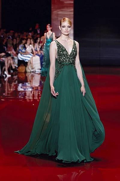 elie-saab-fall-winter-2013-2014-couture (3).jpg
