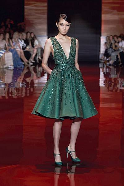 elie-saab-fall-winter-2013-2014-couture (7).jpg