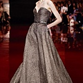elie-saab-fall-winter-2013-2014-couture-strapless-gown-embellished-beaded-crystal-sweetheart-strapless
