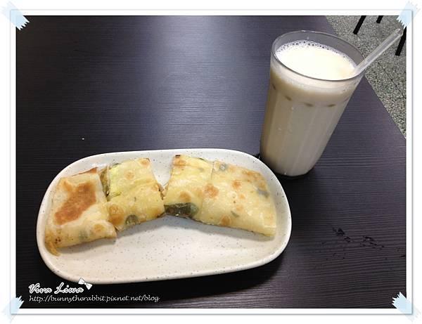 Breakfast130.JPG