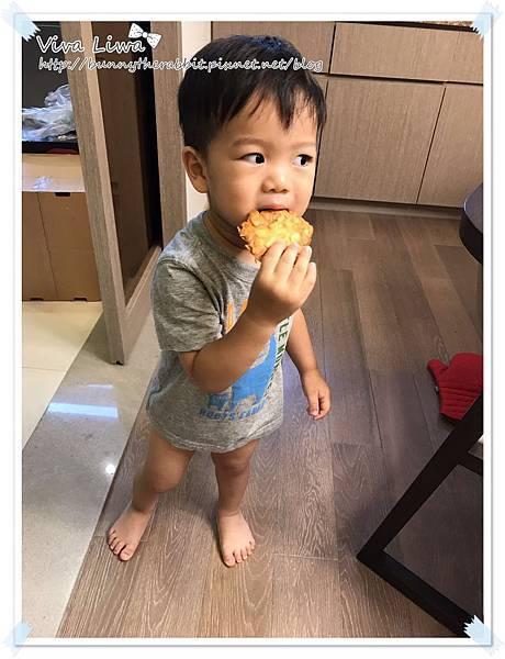 almond cookies18.jpg