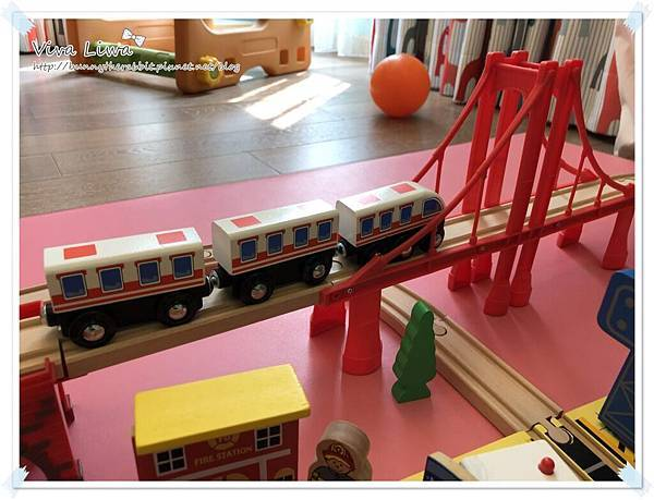 harbor city train set34.jpg