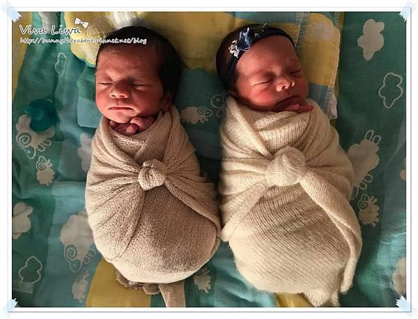 newborn pics a13.jpg