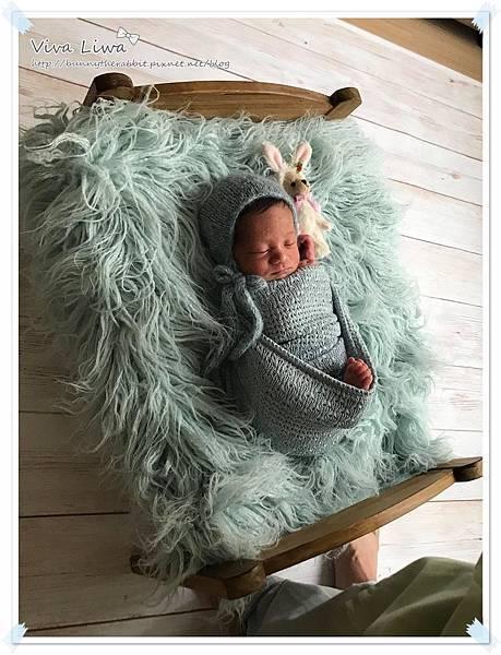 newborn pics a20.jpg