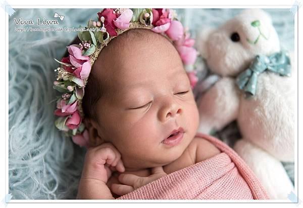 newborn pics b23.jpg