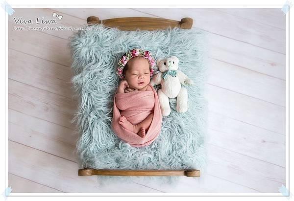 newborn pics b22.jpg
