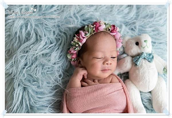newborn pics b24.jpg
