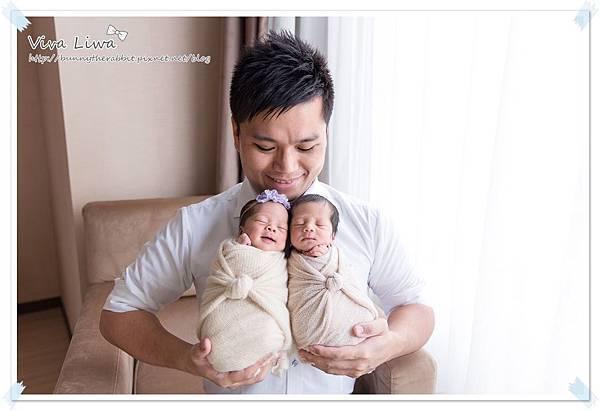 newborn pics b34.jpg