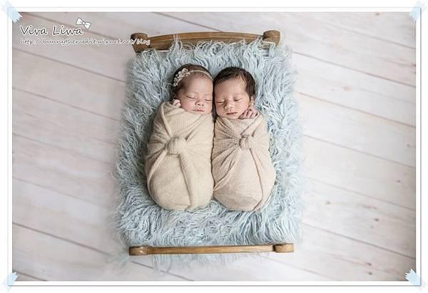 newborn pics b42.jpg