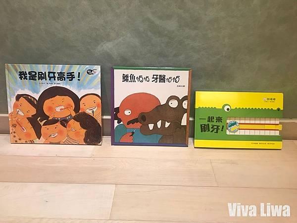 Books20.jpg