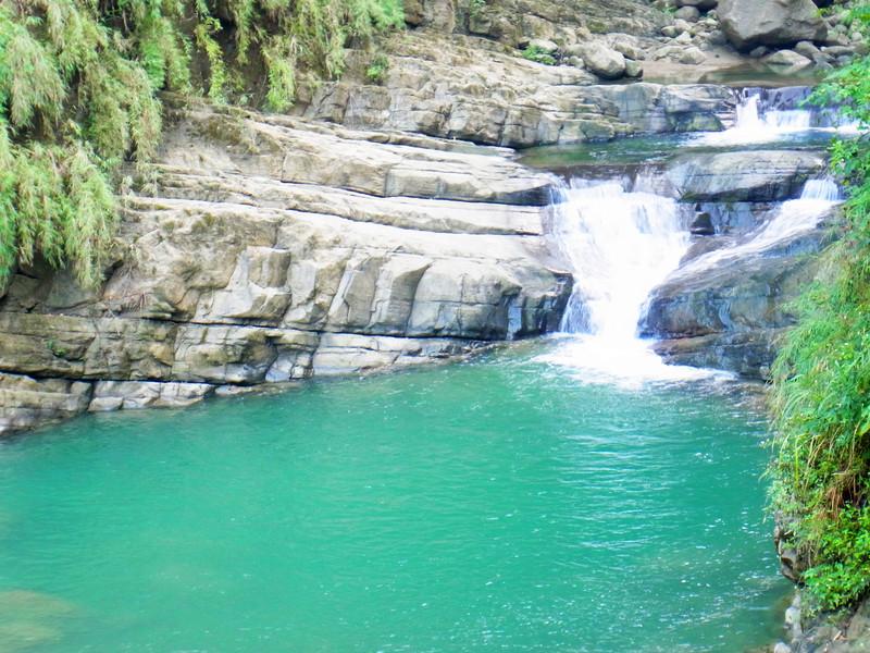 水真的很綠很美!