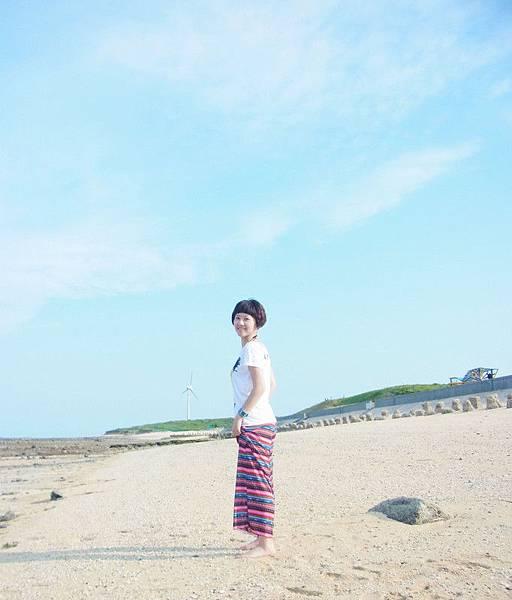海水清澈.沙子很乾淨.這個行程來澎湖一定必遊拉!