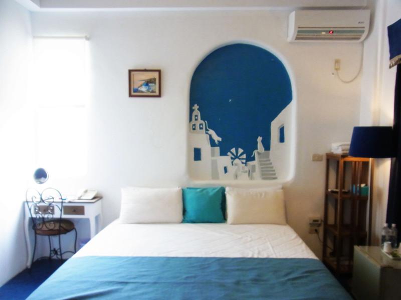 簡單又不失設計感.這間是菊島之戀男主角的房間