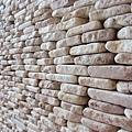 整片石牆的材料都是老闆從峇里島運送回國的喔!