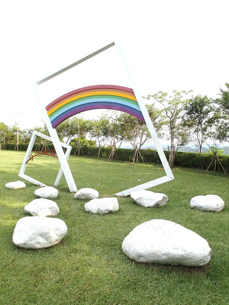 彩虹河石區