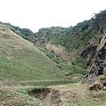 沿途走著..看到的山壁都覺得很美阿!
