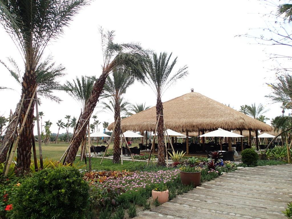 看到這充滿峇里島風情的照片..不是民宿.而是一間觀光工廠