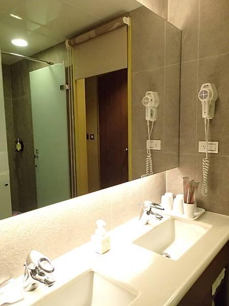 衛浴乾溼分離的浴室