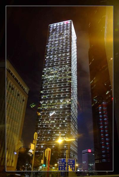 160 亮晶晶的建築.jpg