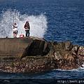 佳樂水驚險的海釣.jpg