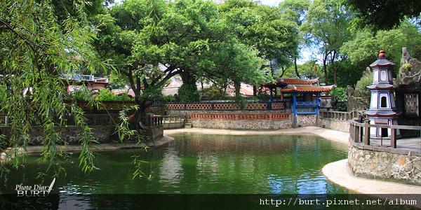 榕蔭大池對疊亭.jpg