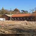 須彌福壽之廟一旁被拆的民宅.jpg