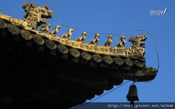 承德普陀宗乘之廟(小布達拉宮)金頂銅鑄脊獸仰視.jpg