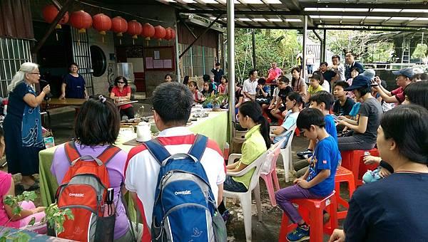 20161008 社區黃金茶.jpg