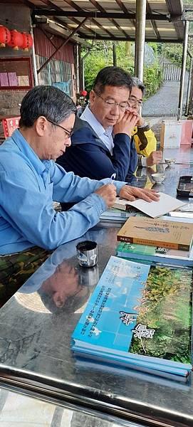 2020319羅東林管處董世良副處長頒發《108年林業計畫績優社區》獎牌_200319_0050.jpg