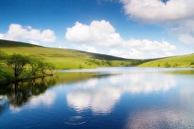 平靜恬淡看人生,清淨智慧過人生