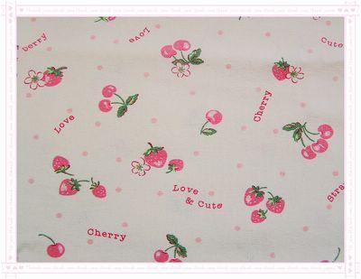 草莓 VS 櫻桃(米白底粉草莓)