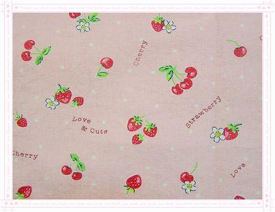 草莓 VS 櫻桃(粉底草莓)