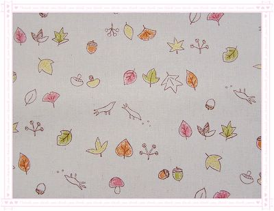 落葉、磨菇、鳥兒、栗子(紅橘色)