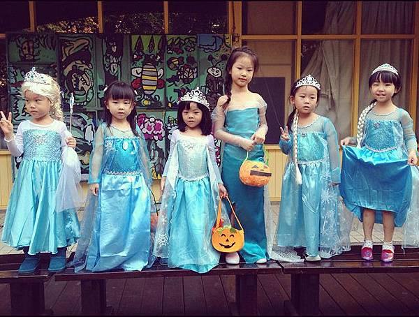 Elsa-Halloween-lineup
