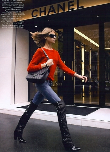 anna-selezneva-and-chanel-vintage-jumbo-flap-bag-gallery