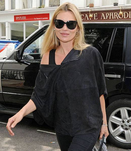 Kate-Moss-Ray-Ban-4126-Cat-black-Sunglasses