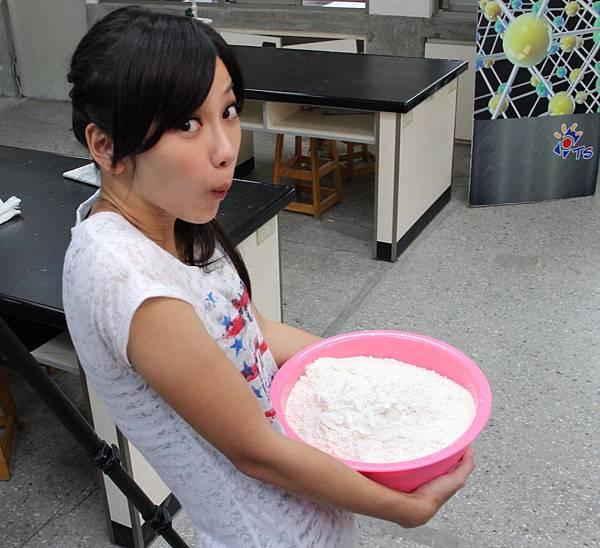 賣麵粉的小女孩