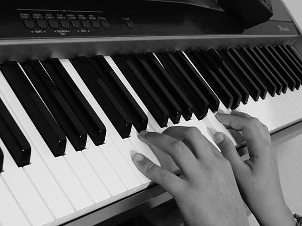 piano-451691_1920.jpg