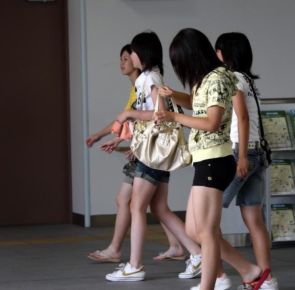 短褲少女們
