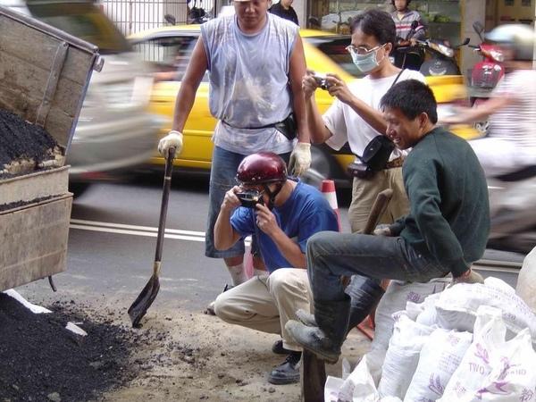 台北市區挖到石油