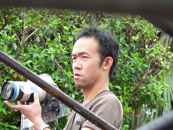 皺眉攝影師