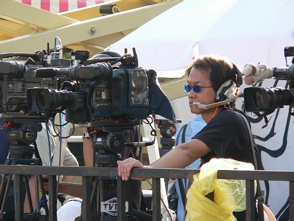藍眼鏡攝影記者