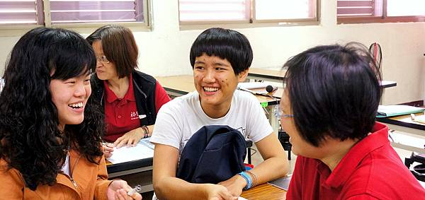 20130323_大專班_二三年級_惠娥、韋青 (11)