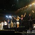 五月天開唱瑪莎情急粗口阿信哽咽心疼自稱不孝孫01.jpg