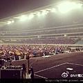 2012-04-14 22'51 MP雷堡 謝今晚南京的妳你們,謝謝大家的掌聲,也謝謝師兄們!!也希望大家明天可以來MP的簽唱會還有晚上的演出。