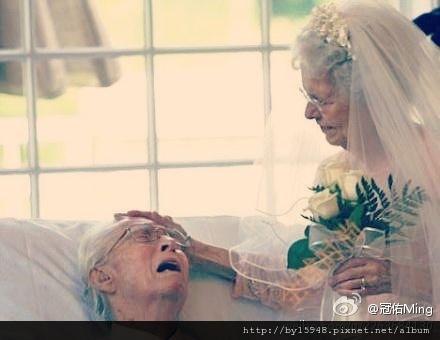 """冠佑Ming:男孩說:想求妳一件事""""女孩說:什麼事""""男孩說:陪我演場戲""""女孩說:演什麼""""男孩說:演我老婆""""女孩說:演多久""""男孩說:一輩子""""六十年後,一位老奶奶撫摸病床上的老爺爺說:如果這場戲沒有全劇終有多好""""老爺爺說:想再求妳一件事,老奶奶說:什麼事""""老爺爺說:下輩子再和我演續集好嗎?」m"""