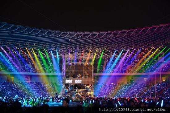 2013-01-01 「演唱會之王」五月天跨年「影分身術」雙連線80萬人「OAOA」狂歡06