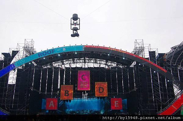 2013-01-02 17'08 懸掛高空的spidercam