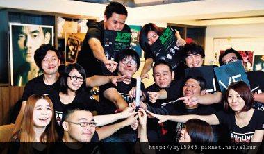 2013-01-14 一個螢光棒磨兩年,每週管控兩場演唱會 十六人團隊 讓五月天歌迷黏著著