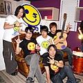 五月天樂團逆勢開店 不懼全球金融風暴威脅2.jpg